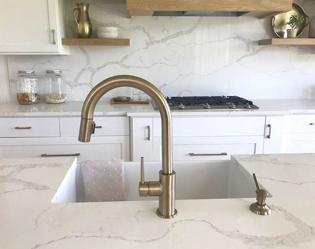 Quartzite Countertops May Be Just Right For You if You Love the Look of Marble, But You Are Hesitant About Keeping it Looking Nice